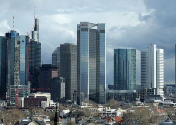EU to help banks sell off bad loans